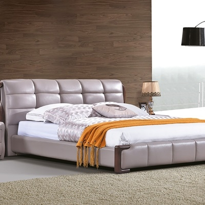 舒适双人床